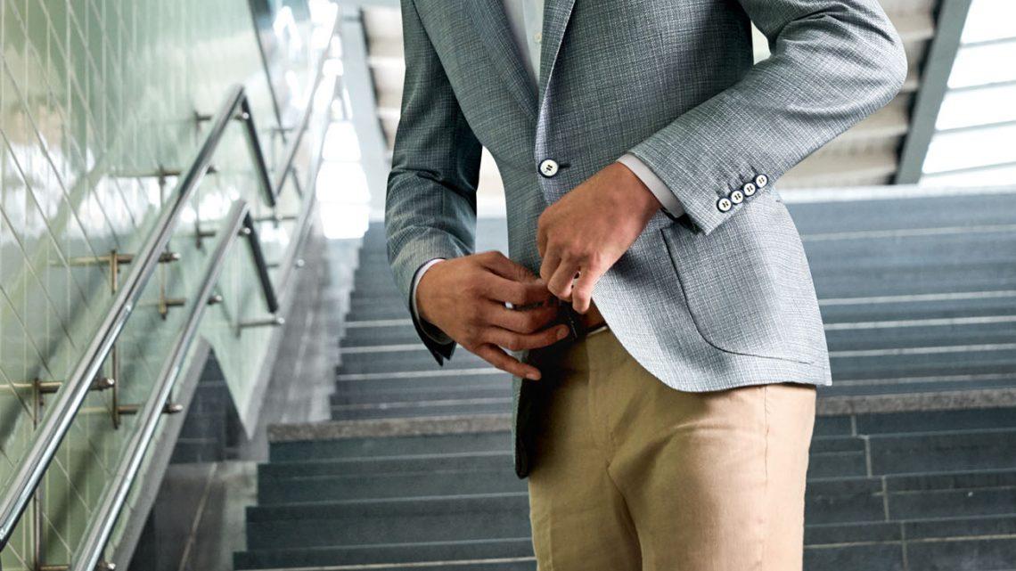 A khaki színű nadrág diadalmenete